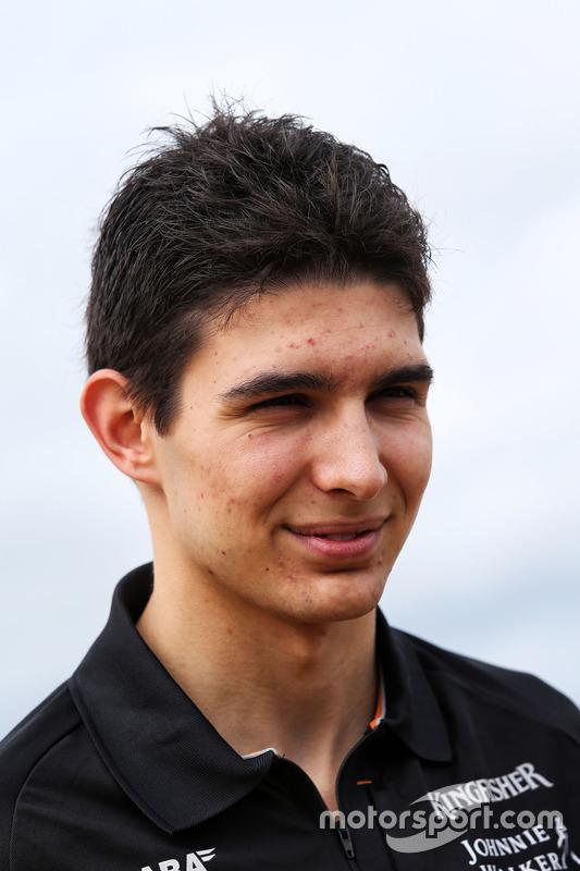 Esteban Ocon, Sahara Force India F1 Team  en la playa de Brighton