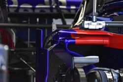 Scuderia Toro Rosso STR13 , dettaglio della fiancata