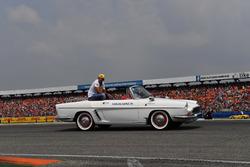 Carlos Sainz Jr, Renault Sport F1 Team,,en el desfile de pilotos