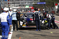 Pit stop, #114 Emil Frey Lexus Racing Lexus RC F GT3: Stéphane Ortelli, Norbert Siedler