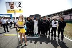 Gary Paffett Mercedes-AMG Team HWA with the team