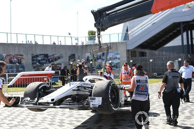 La voiture accidentée de Marcus Ericsson, Sauber C37