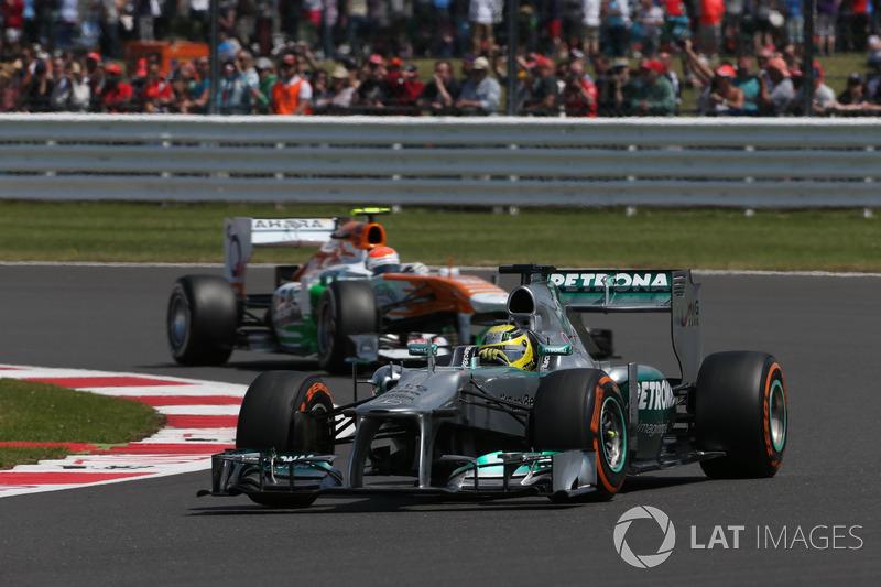 Гран При Великобритании-2013 стал черным для шинников Pirelli: в тот уик-энд на пяти машинах взорвались задние левые колеса. Победил тогда Нико Росберг