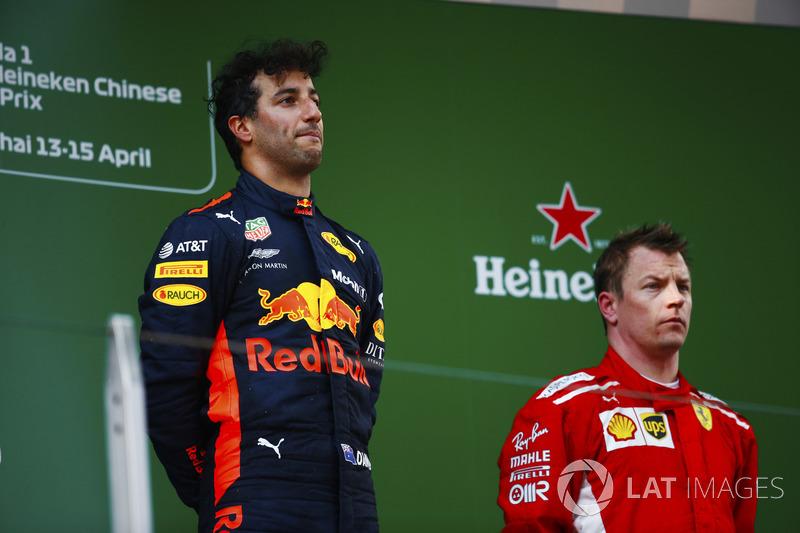 Race winner Daniel Ricciardo, Red Bull Racing, third place Kimi Raikkonen, Ferrari