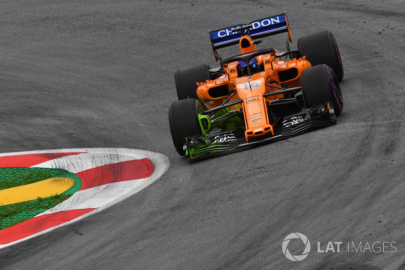 Fernando Alonso, McLaren MCL33 with aero paint on front wing