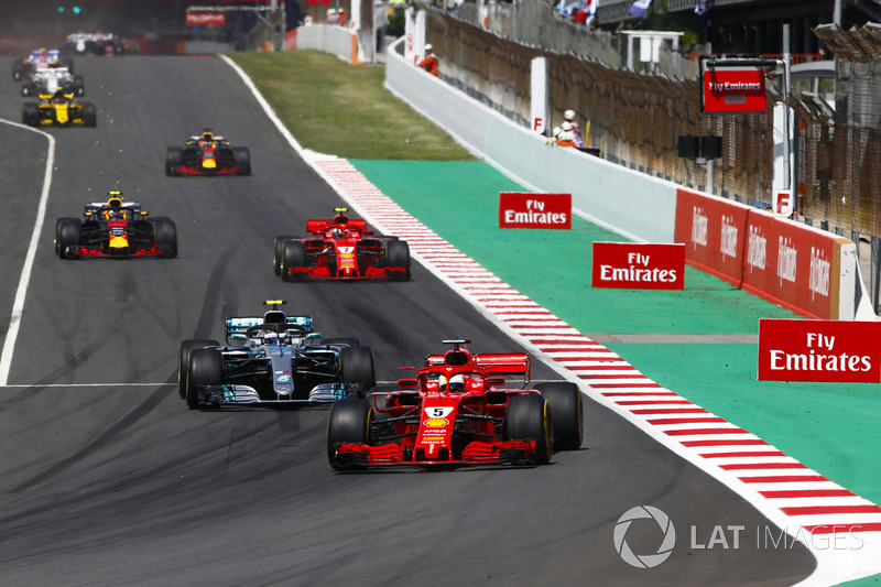 Sebastian Vettel, Ferrari SF71H, Valtteri Bottas, Mercedes AMG F1 W09, Kimi Raikkonen, Ferrari SF71H y Max Verstappen, Red Bull Racing RB14