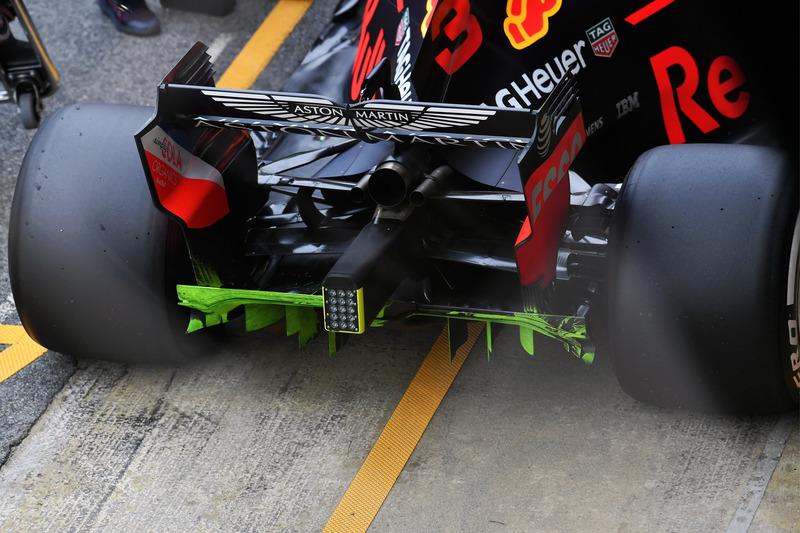 Red Bull Racing RB14 rear diffuser, aero paint
