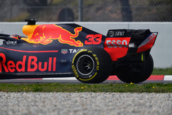 Max Verstappen, Red Bull Racing RB14, va in testacoda