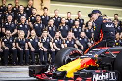 Max Verstappen, Red Bull Racing, Red Bull Racing takım resminde