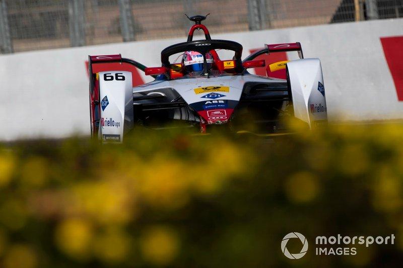 "Nico Müller (Audi Sport Abt Schaeffler) - 1er, 1'17""074 (250 kW)"