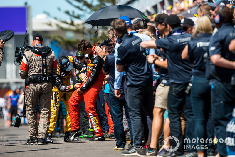 Craig Lowndes, Triple Eight Race Engineering Holden, Chaz Mostert, Tickford Racing Ford
