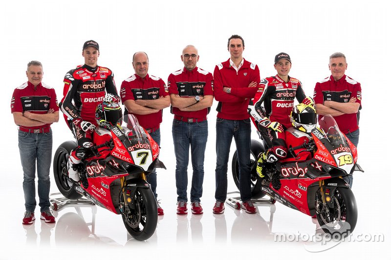 Chaz Davies, Aruba.it Racing-Ducati SBK Team, Alvaro Bautista, Aruba.it Racing-Ducati SBK Team with team members