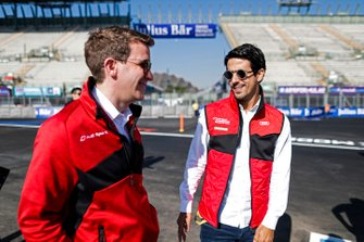 Lucas Di Grassi, Audi Sport ABT Schaeffler, on a track walk with his team