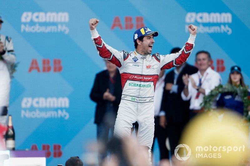 Il vincitore Lucas Di Grassi, Audi Sport ABT Schaeffler festeggia avvicinandosi al podio