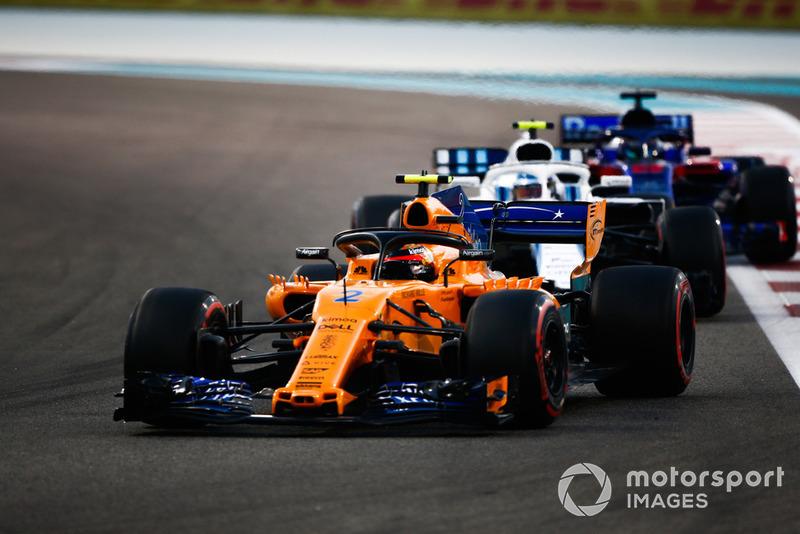 Stoffel Vandoorne, McLaren MCL33 devant Sergey Sirotkin, Williams FW41 et Brendon Hartley, Toro Rosso STR13
