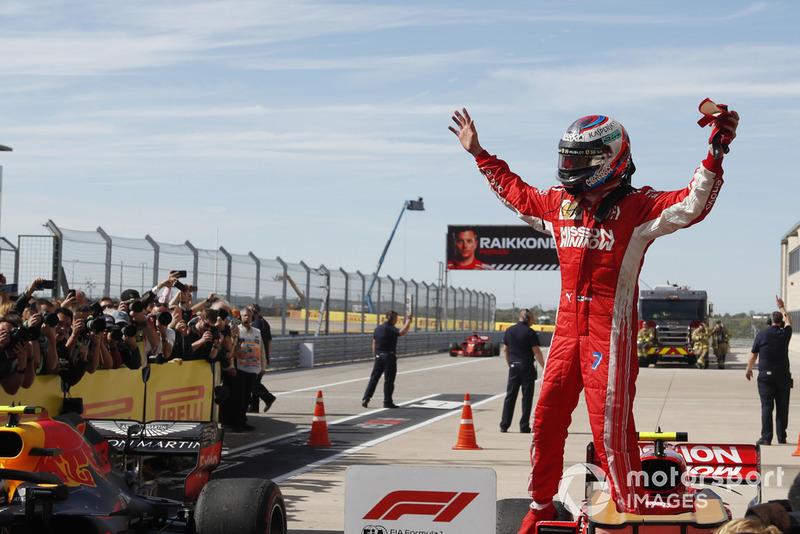 Race winner Kimi Raikkonen, Ferrari SF71H