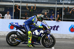 Valentino Rossi, Yamaha Factory Racing practice start