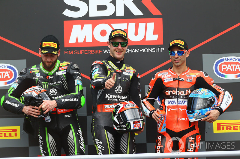 Podio: il vincitore della gara Jonathan Rea, Kawasaki Racing, il secondo classificato Tom Sykes, Kawasaki Racing, il terzo classificato Marco Melandri, Aruba.it Racing-Ducati SBK Team