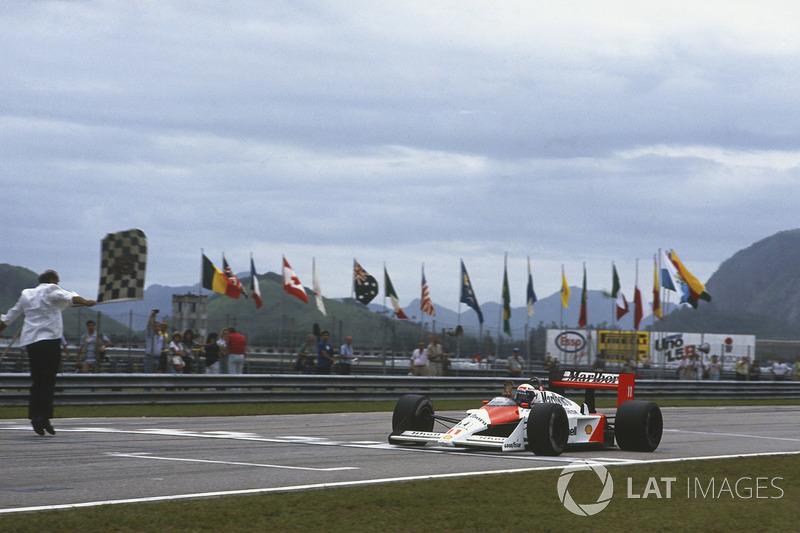 Ganador del GP de Brasil 1988: Alain Prost, McLaren MP4/4