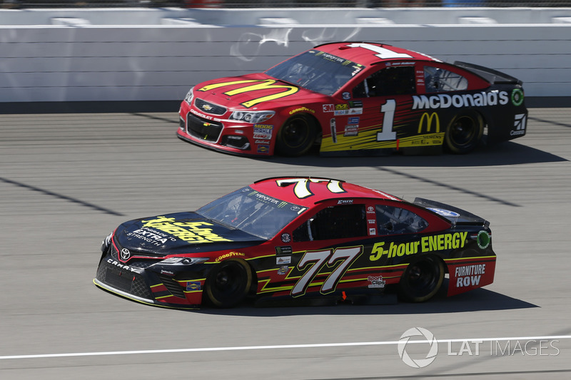Erik Jones, Furniture Row Racing Toyota Jamie McMurray, Chip Ganassi Racing Chevrolet