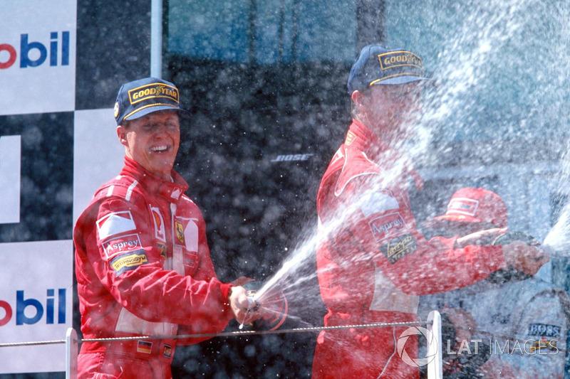 Подіум: переможець гонки Міхаель Шумахер, Ferrari, на другому місці Едді Ірвайн, Ferrari, на третьом