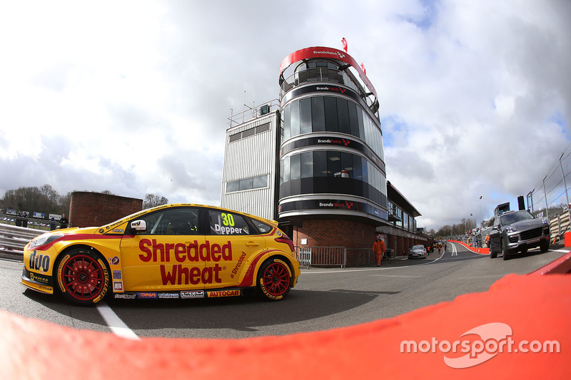 Martin Depper, Team Shredded Wheat Racing with Duo, Ford Focus