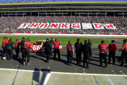 Fans and crews alike wish retireing Darrell Waltrip well as he starts his final race
