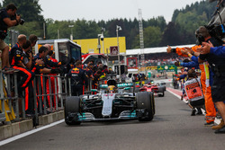 Race winner Lewis Hamilton, Mercedes-Benz F1 W08, arrives to celebrate in parc ferme