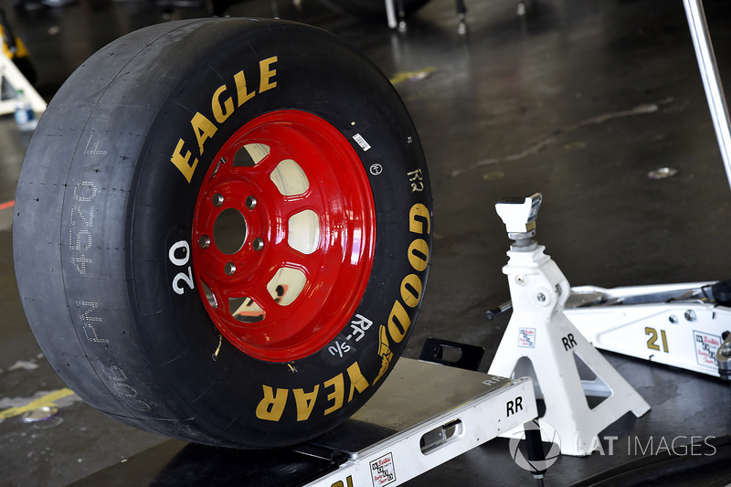 Ryan Blaney, Wood Brothers Racing Ford neumático, trípodes