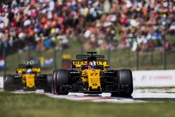 Nico Hulkenberg, Renault Sport F1 Team RS17, Jolyon Palmer, Renault Sport F1 Team RS17