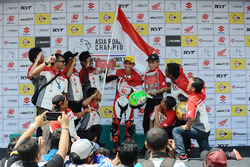 Podium: Gerry Salim rayakan kemenangan Race 2 AP250