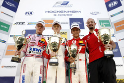 Podium: Race winner Callum Ilott, Prema Powerteam, Dallara F317 - Mercedes-Benz, second place Maximi