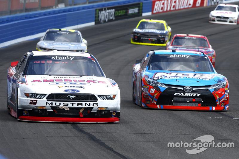 Joey Logano, Team Penske Ford, Kyle Busch, Joe Gibbs Racing Toyota
