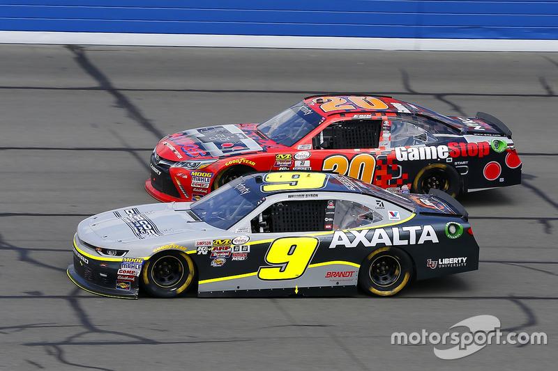 William Byron, JR Motorsports, Chevrolet; Erik Jones, Joe Gibbs Racing, Toyota