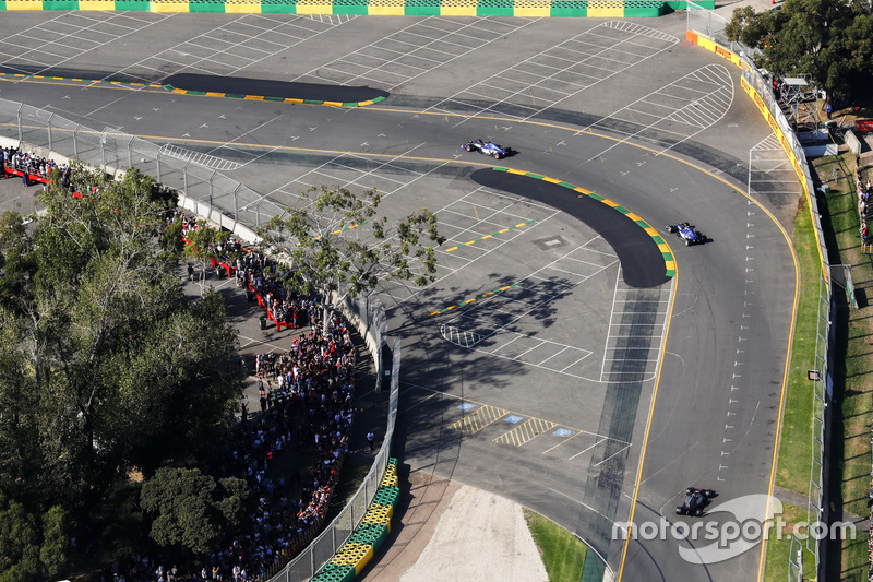 Marcus Ericsson, Sauber, C36; Antonio Giovinazzi, Sauber, C36; Kevin Magnussen, Haas F1 Team, VF-17