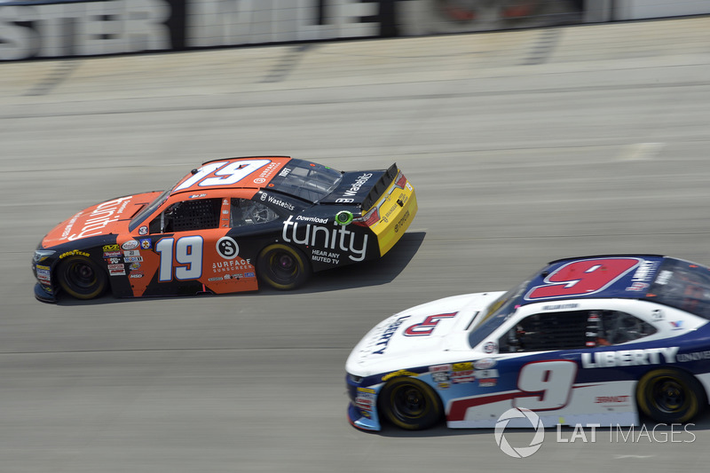 Matt Tifft, Joe Gibbs Racing, Toyota; William Byron, JR Motorsports, Chevrolet