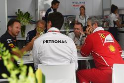 Christian Horner, Red Bull Racing Team Principal, Robert Fearnley, Sahara Force India F1 Team Deputy