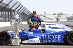 Winner Takuma Sato, Andretti Autosport Honda