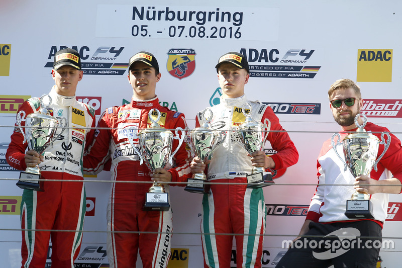 Podio: il vincitore Thomas Preining, Lechner Racing ; 2. Mick Schumacher, Prema Powerteam; Juri Vips, Prema Powerteam