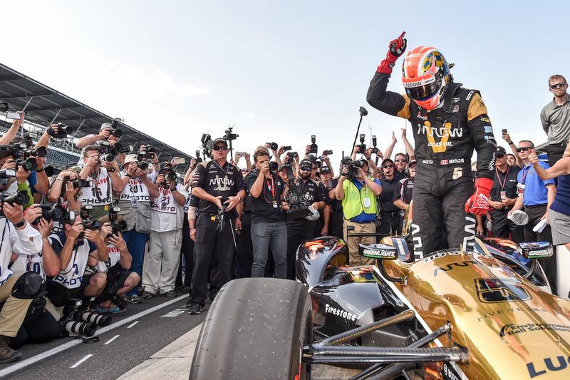 James Hinchcliffe, Schmidt Peterson Motorsports Honda, ganador de la pole