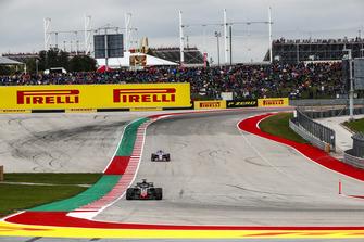 Romain Grosjean, Haas F1 Team VF-18, Sergio Perez, Racing Point Force India VJM11