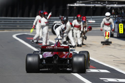 Marcus Ericsson, Sauber C37,pit stop
