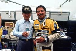 Президент Mazda Кеничи Ямамото и Йодзиро Терада