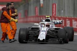 Sergey Sirotkin, Williams FW41 ilk turda kaza yapıyor