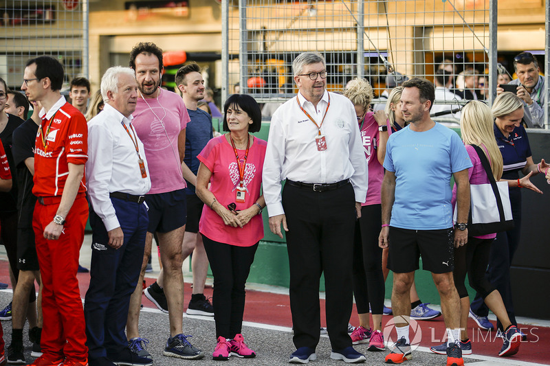 Ross Brawn, director deportivo de FOM, Christian Horner, Director del equipo, Red Bull Racing, en el funcionamiento del evento de pista
