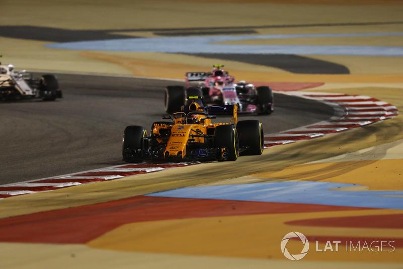Stoffel Vandoorne, McLaren MCL33 Renault, Esteban Ocon, Force India VJM11 Mercedes, and Marcus Ericsson, Sauber C37 Ferrari