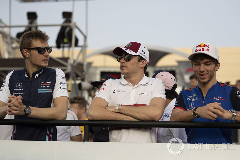 Sergey Sirotkin, Williams, Charles Leclerc, Sauber and Pierre Gasly, Scuderia Toro Rosso on the drivers parade
