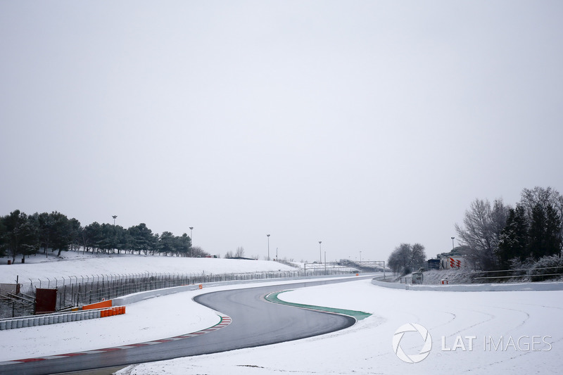Circuito de Barcelona coberto de neve
