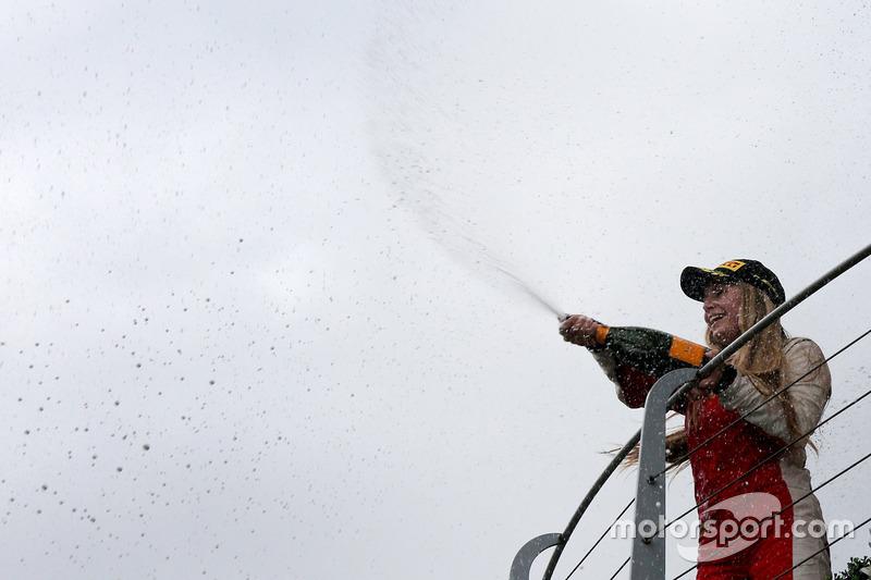 Podio: #301 Octane 126 Ferrari 488: Fabienne Wohlwend