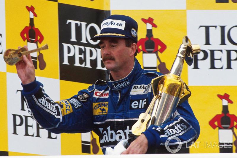 6º Nigel Mansell  (17 victorias desde la pole) (el 53'13 % de sus victorias)